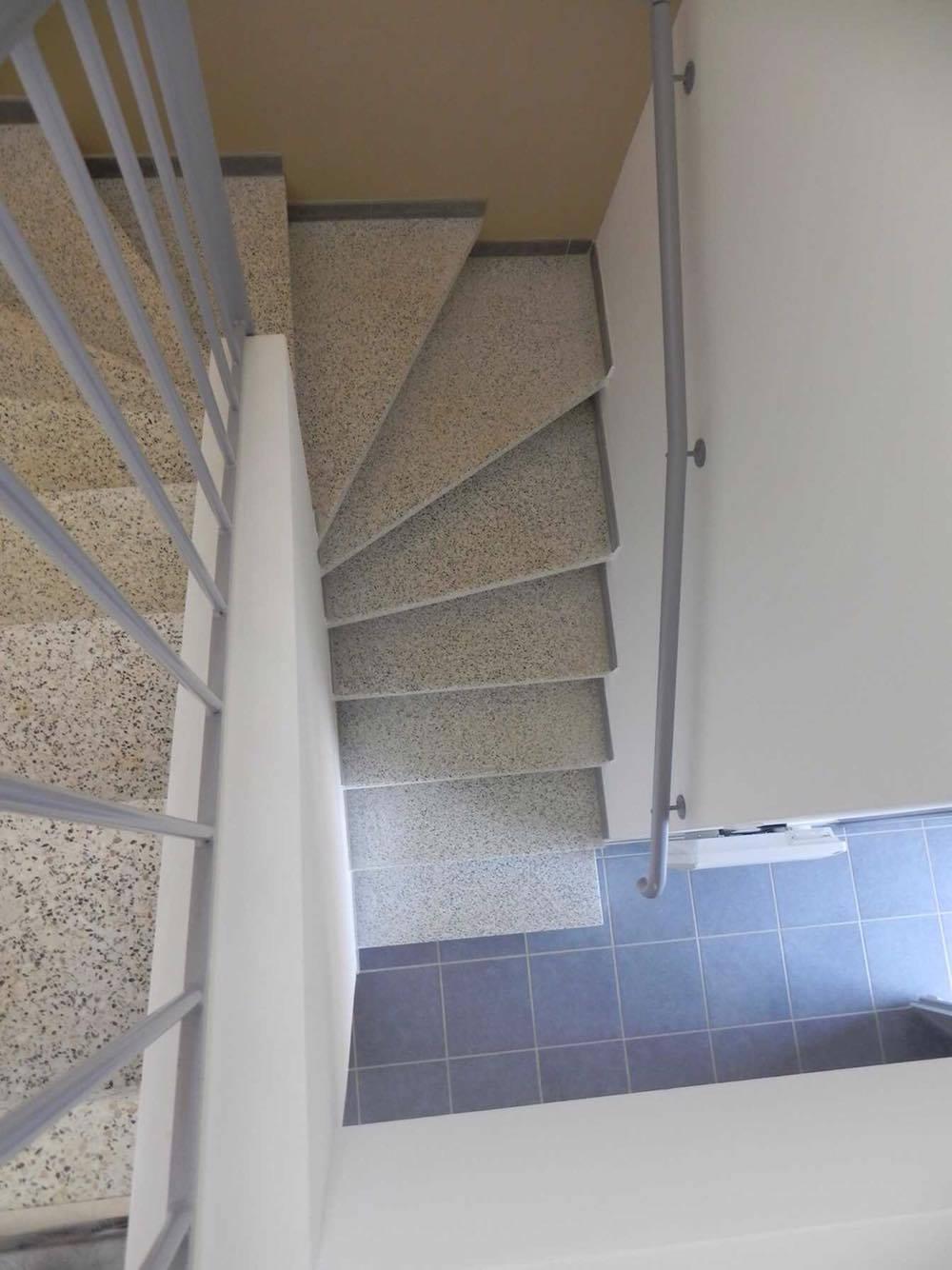 fabrication et pose d 39 escalier granito carcassonne et. Black Bedroom Furniture Sets. Home Design Ideas