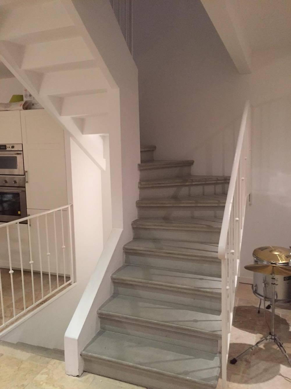 Fabrication et pose d 39 escalier en b ton gris liss carcassonne et toulouse - Fabrication escalier beton ...