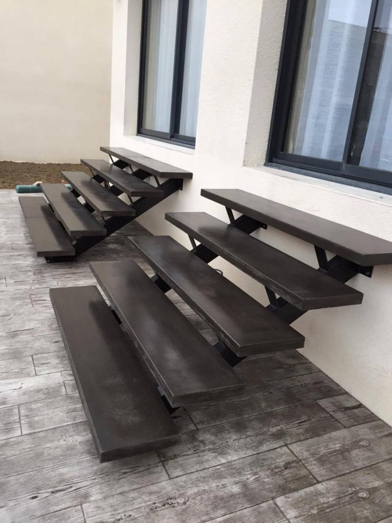 fabrication et pose d 39 escalier en b ton teint carcassonne et toulouse. Black Bedroom Furniture Sets. Home Design Ideas