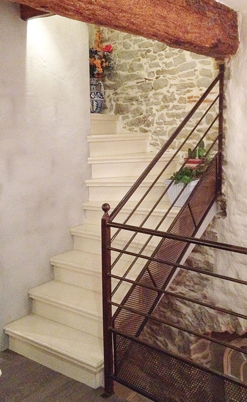 fabrication et pose d 39 escalier en b ton teint carcassonne et toulouse. Black Bedroom Furniture Sets. Home Design Ideas