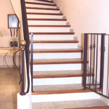 img-escalier-beton-carrele