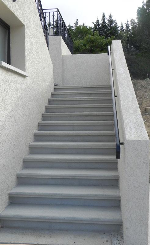 Escalier ext rieur en b ton pr fabriqu sur mesure - Escalier bois jardin exterieur ...